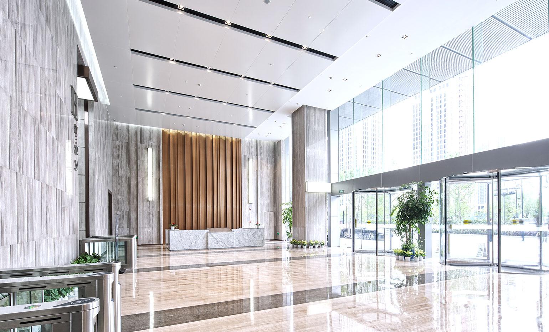株式会社アカイはビルリニューアル工事の専門家集団です。